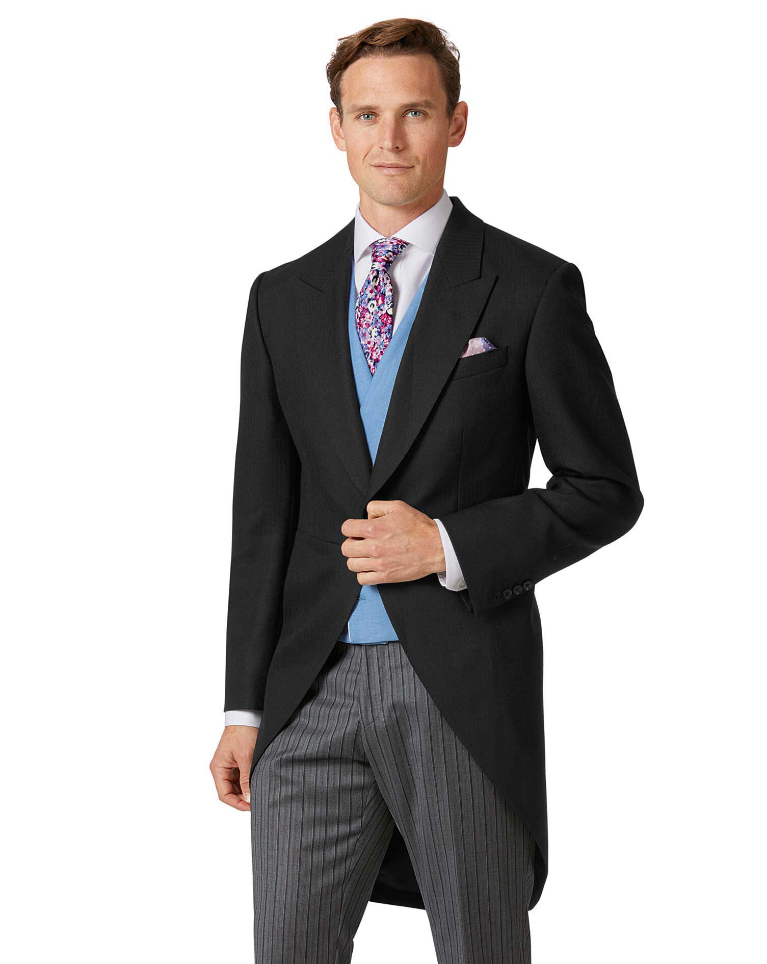 Men's Suit Jackets & Suit Coats Whether you are looking to impress the boss, or simply want to look good at a family celebration, Belk's collection of suit jackets are the ultimate styling piece. With a range of sizes, colors, lengths and brands, you'll find a sleek and sophisticated coat for any occasion.