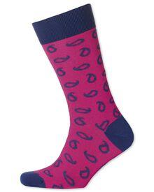 Socken in rosa mit Paisley-Muster