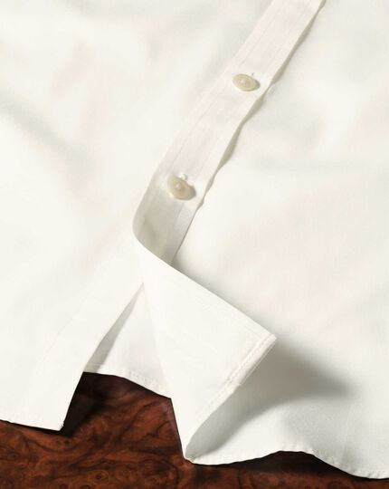 Slim fit end-on-end cream shirt