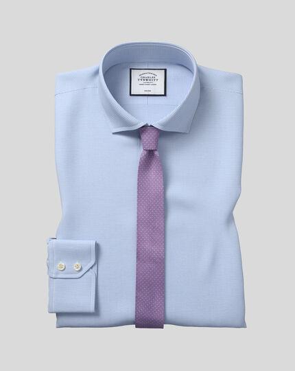 Bügelfreies Extra Slim Fit Hemd mit Haifischkragen in Himmelblau mit Hahnentritt