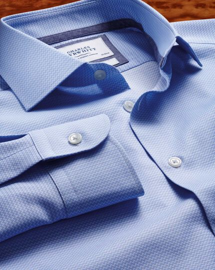 Slim fit semi-spread collar business casual sky blue shirt