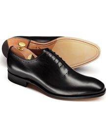 Black Richmond calf leather apron wholecut shoes