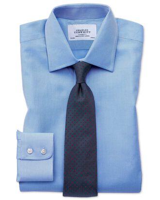 Extra Slim Fit Hemd aus ägyptischer Baumwolle und Cavalry-Twill in Blau