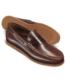 Brown Oakham boat shoes