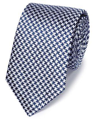 Cravate classique bleu roi et blanche en soie fil à fil à motif géométrique