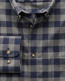 Bügelfreies Classic Fit Hemd aus Twill in marineblau und grau mit Karos