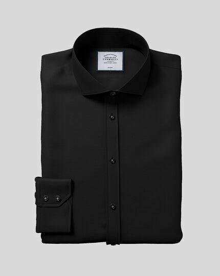 Extra slim fit spread collar non-iron black shirt