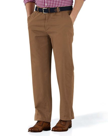 Classic Fit Chinohose ohne Bundfalte in Camel