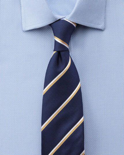 Classic fit non-iron Buckingham weave sky blue shirt