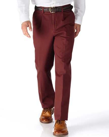 Red classic fit single pleat chinos