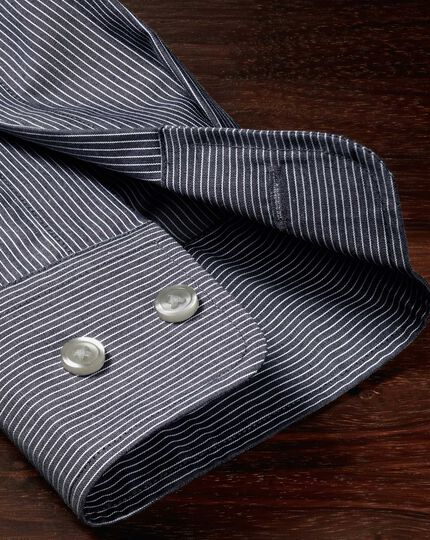 Bügelfreies Extra Slim Fit Hemd aus Popeline in indigoblau mit Streifen
