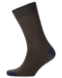 Rippstrick-Socken in braun