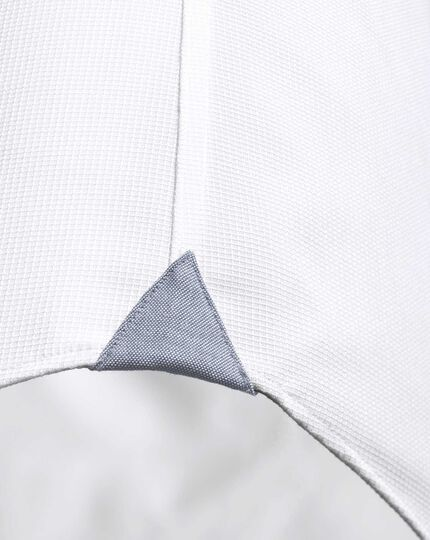 Classic fit semi-cutaway collar business casual textured white shirt