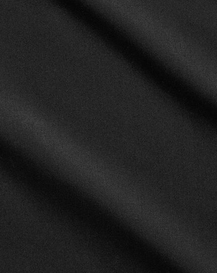 Extra slim fit cutaway non-iron poplin black shirt