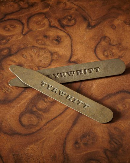 Solid brass cut away collar stiffeners