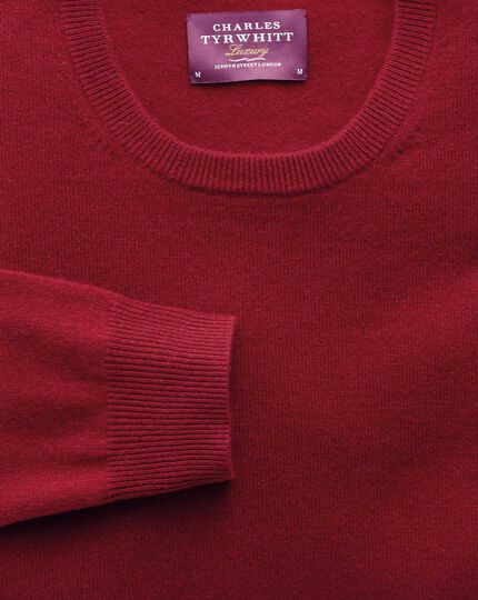 Red cashmere crew neck sweater
