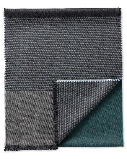 Schal aus Merinowolle in blau mit Streifen