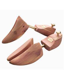 Adjustable cedar shoe tree