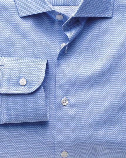 Classic fit semi-spread collar business casual sky blue shirt