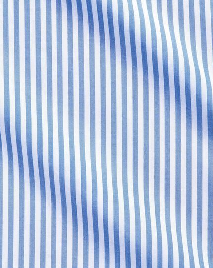 Bügelfrei Classic Fit Hemd mit Button-down Kragen in Himmelblau mit Streifen