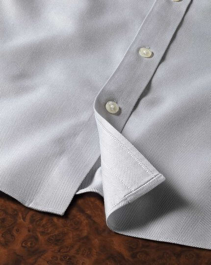Slim fit spread collar non-iron herringbone grey shirt