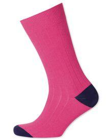 Rippstrick-Socken in Rosa
