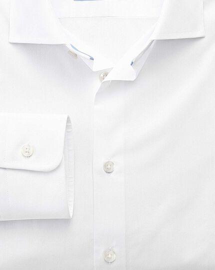 Classic fit semi-spread collar business casual white shirt