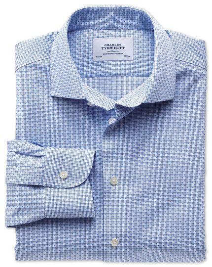 Bügelfreies Slim Fit Business-Casual Hemd mit Semi-Haifischkragen in himmelblau mit Gitterkaro