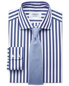 Classic Fit Hemd aus ägyptischer Baumwolle mit Semi-Haifischkragen in marineblau mit Streifen