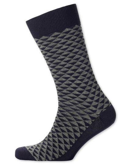 Socken in Grau mit Triangelmuster