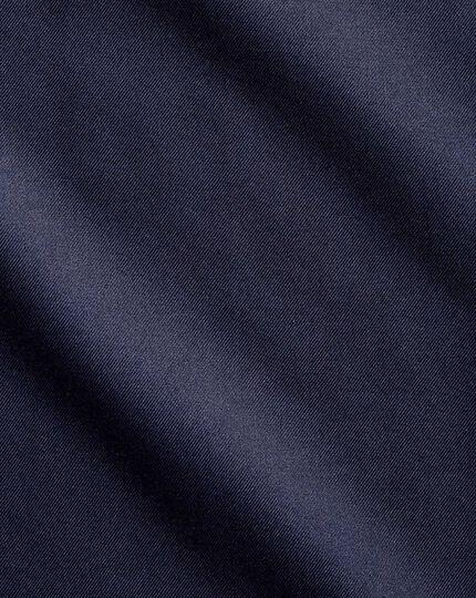 Bügelfreies Extra Slim Fit Twill-Hemd mit Haifischkragen in MarineBlau