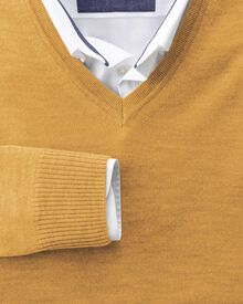 Yellow merino wool v-neck jumper