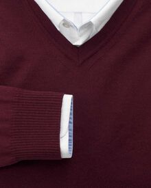 Wine merino wool v-neck jumper