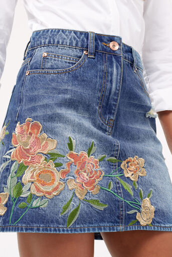 Oasis, Blossom embroidered skirt Denim 4