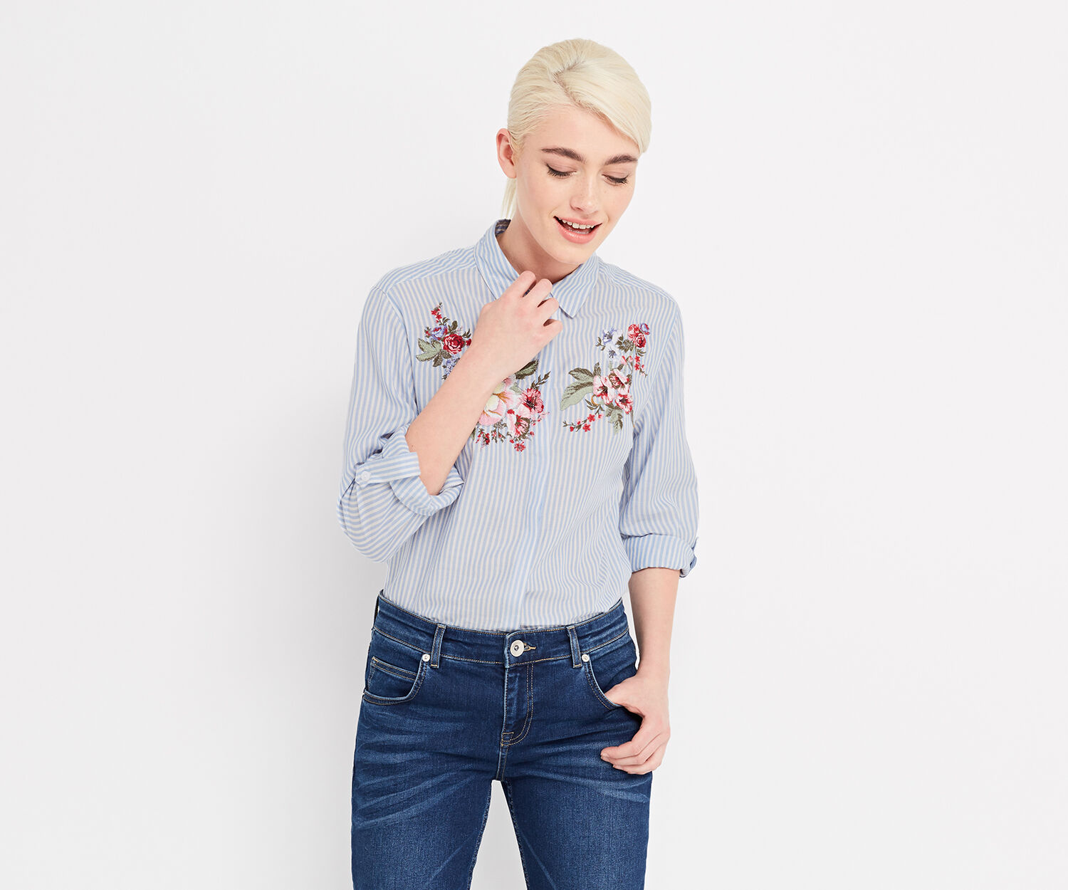 Oasis, CHINTZ EMBROIDERED SHIRT Multi Blue 1