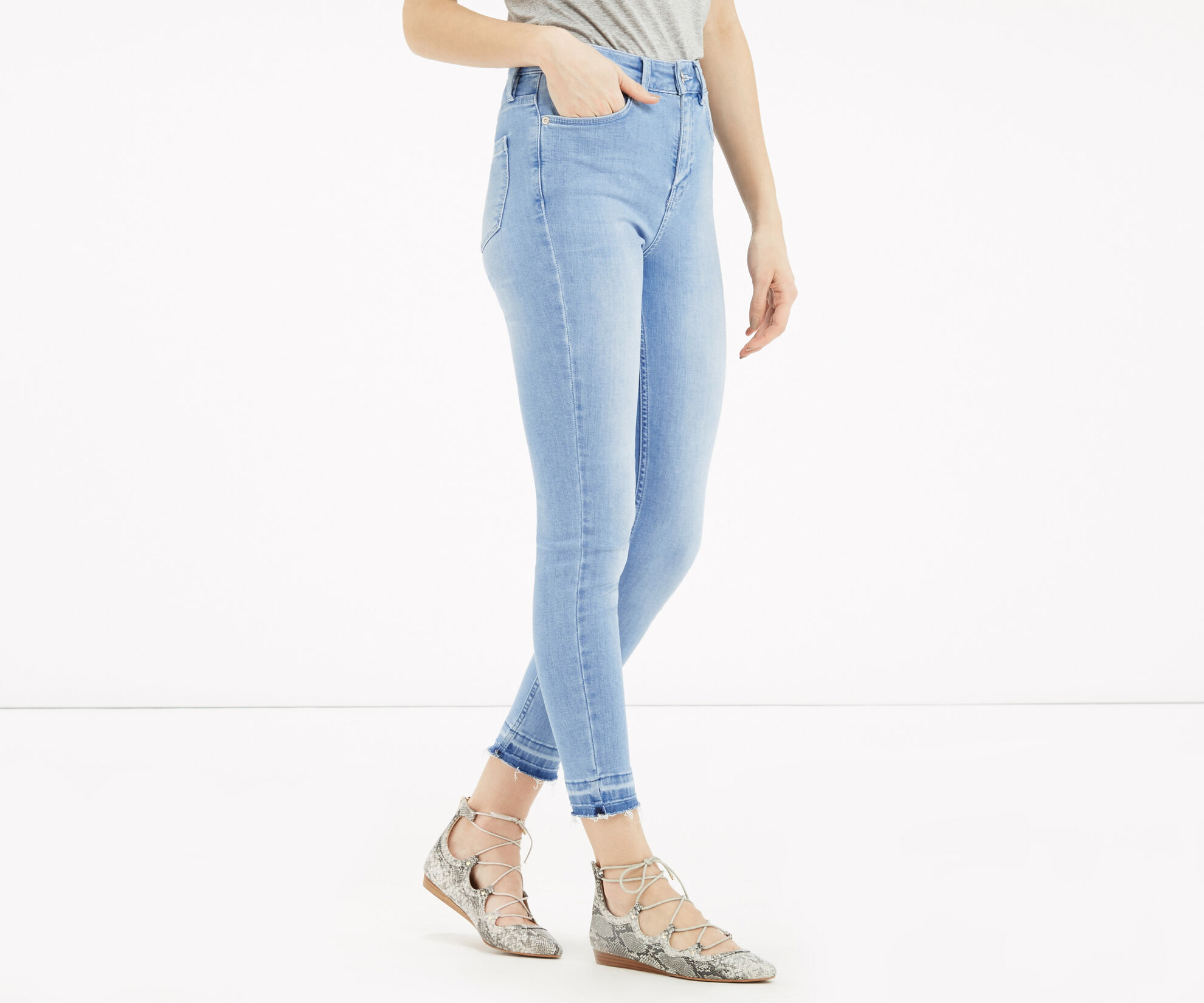 Oasis, HEM DETAIL LILY JEANS Light Wash 1