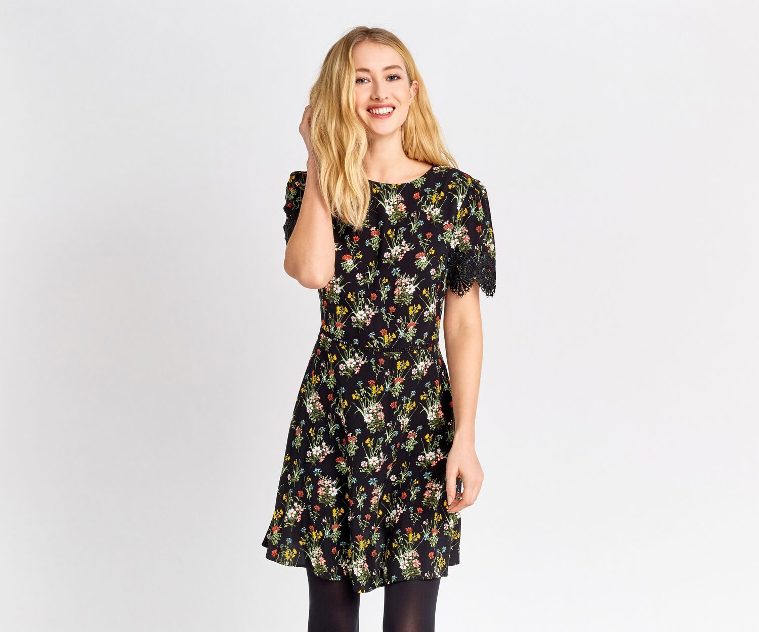 Oasis, SPRING BOUQUET SKATER DRESS Multi Black 1