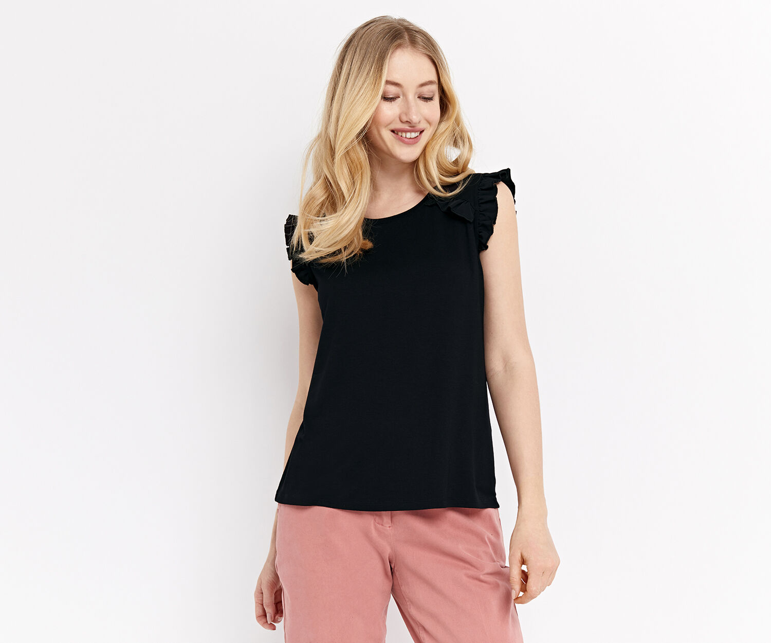 Oasis, RUFFLE FITTED SHELL TOP Black 1