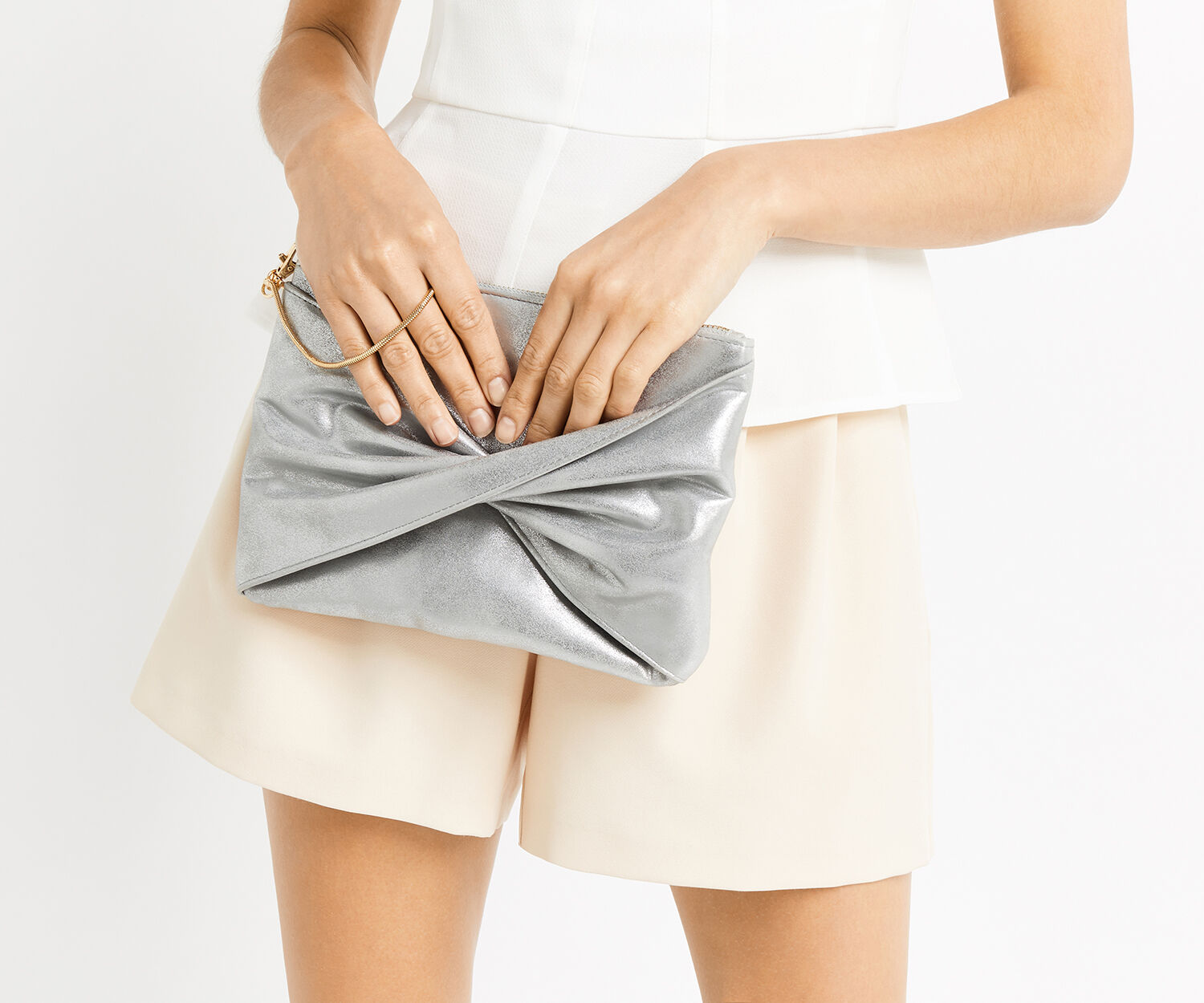 Oasis, TRACY TWISTED CLUTCH Silver Grey 1
