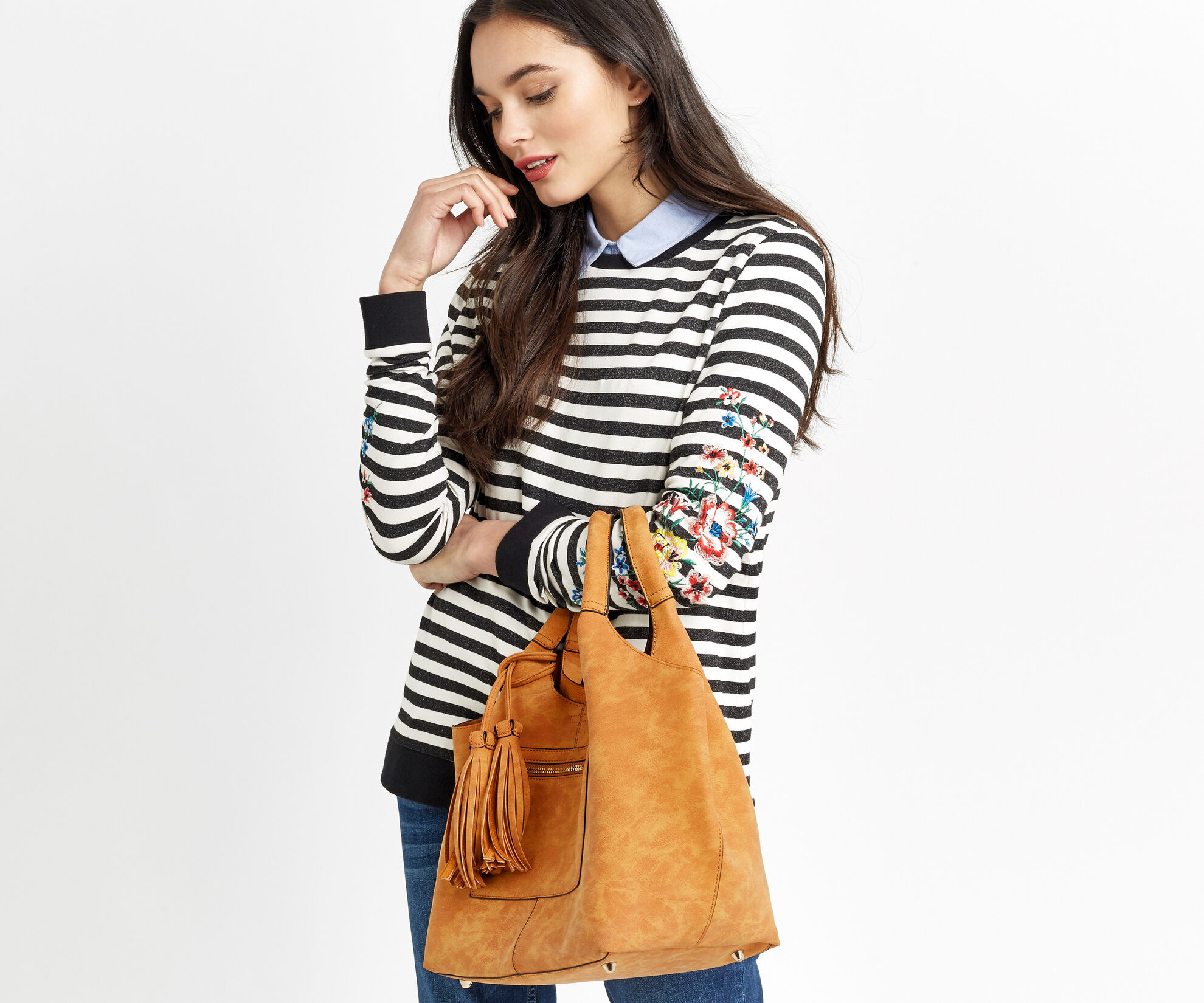 Oasis, HOLLY ZIP FRONT HOBO Camel 1