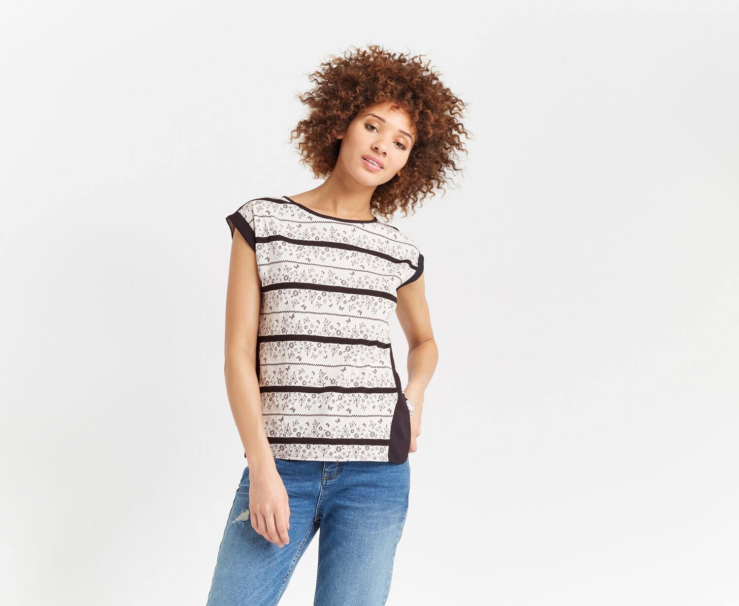 Oasis, FLORAL WIGGLE LACE STRIPE TEE Black and White 1