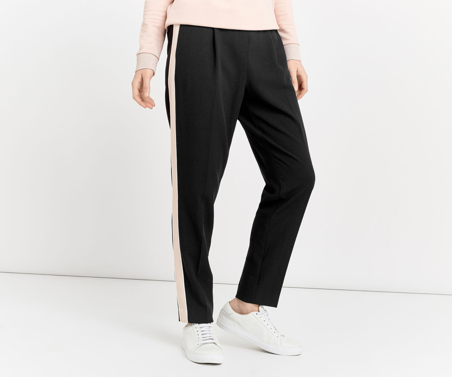 Oasis, SOFT SPORTY TROUSERS Black and White 1