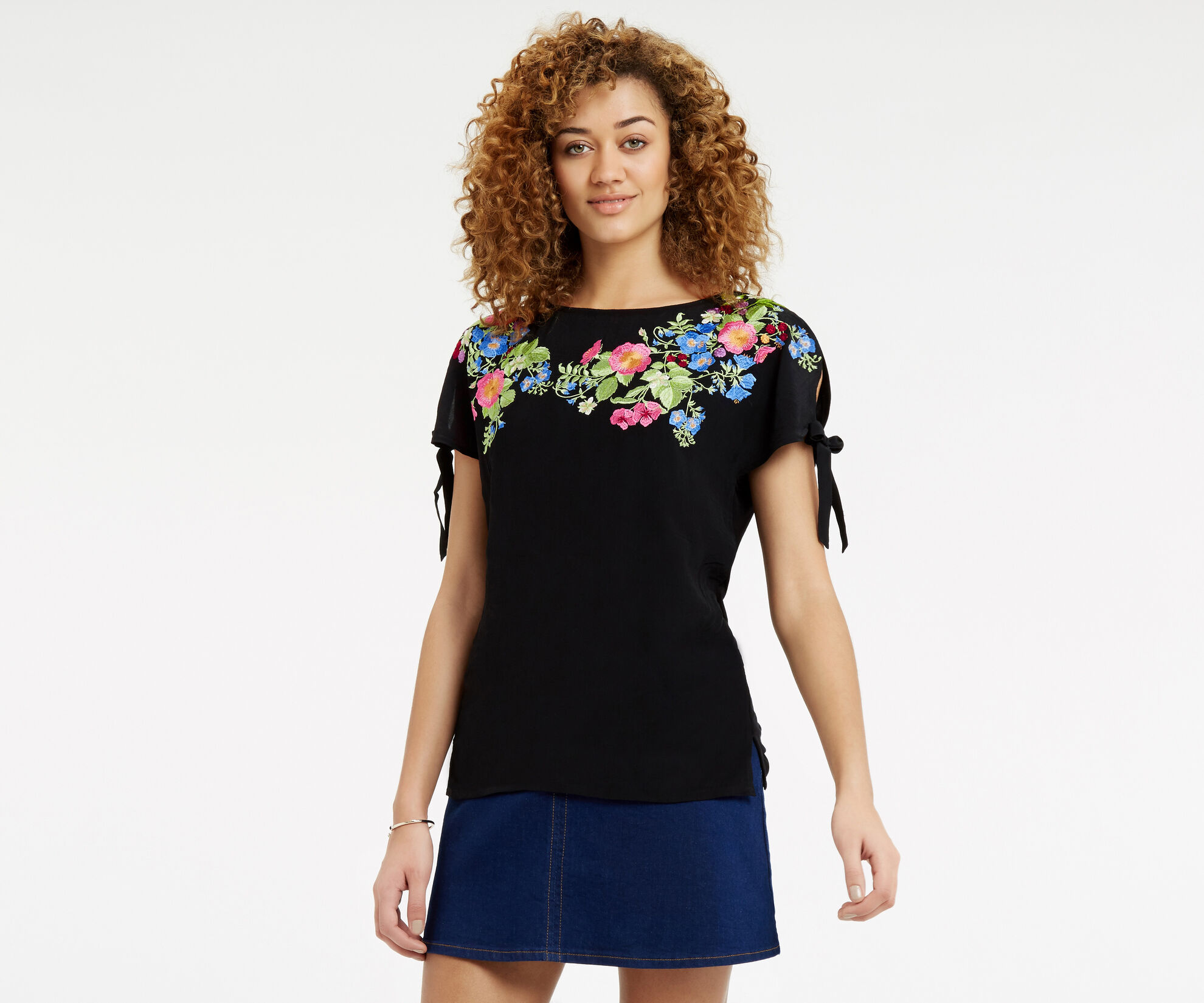Oasis, Embroidered Floral Tie Side T- Black 1
