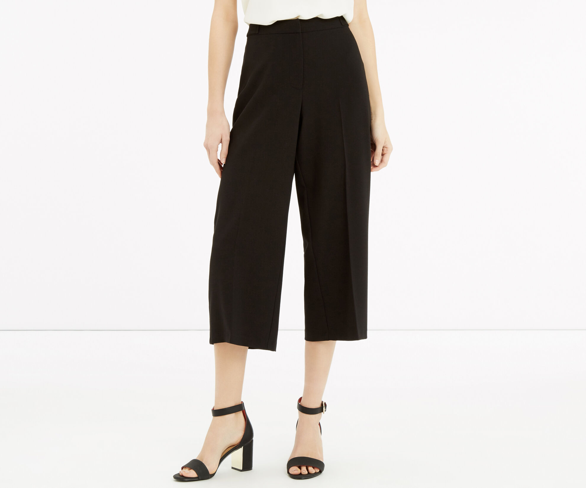 Oasis, Cropped Trouser Black 1