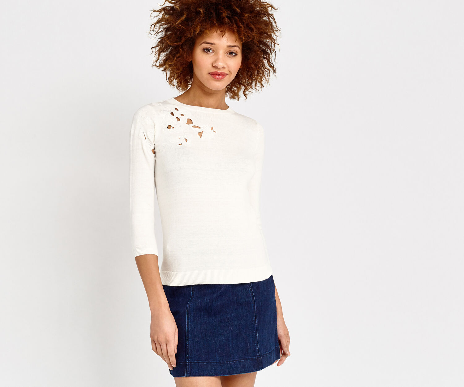 Oasis, FLORAL CUT OUT KNIT Off White 1