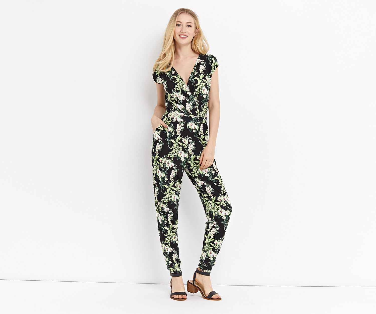 Oasis, BOTANICAL TROPICAL JUMPSUIT Multi Black 1