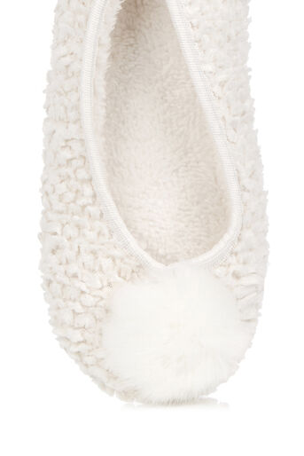 Oasis, FURRY POM-POM SLIPPER Cream 2
