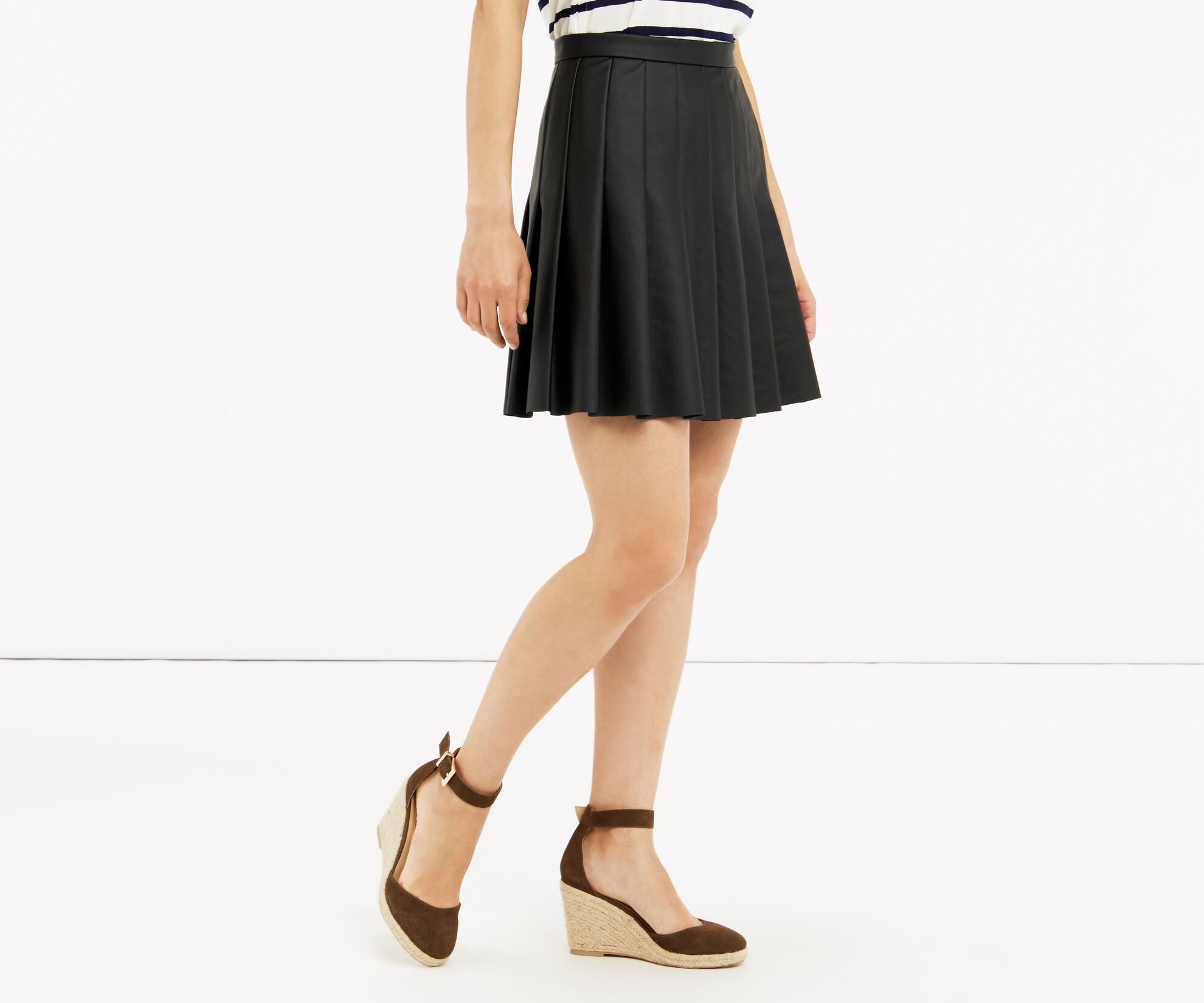 Oasis, FAUX LEATHER SKIRT Black 1