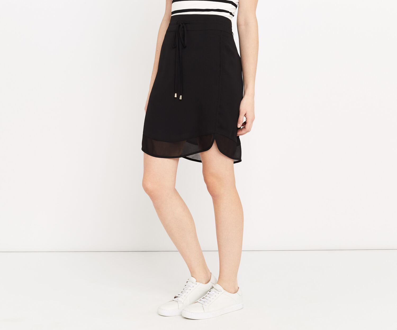 Oasis, SPORTY CHIFFON SKIRT Black 1