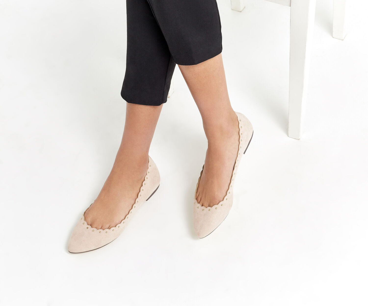 Oasis, KATE SCALLOPED FLATS Mid Neutral 1